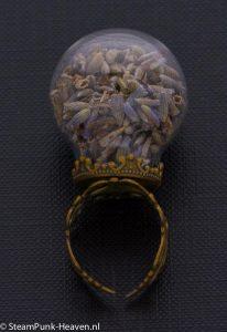 Steampunk ring 87, kleur brons, met lavendel