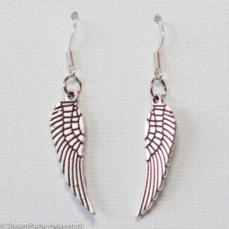 Steampunk oorbellen 95, met zilveren vleugels