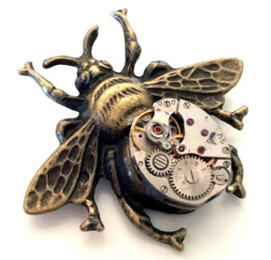Steampunk broche 28, uurwerkbij