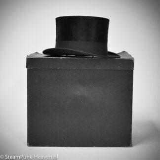 Steampunk hoed: echte, brocante hoge hoed met hoedendoos