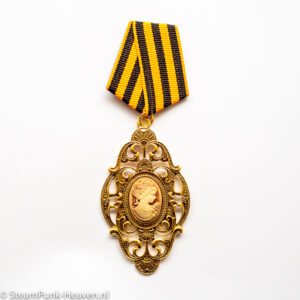 Steampunk medaille Lesandra - met lady kamee