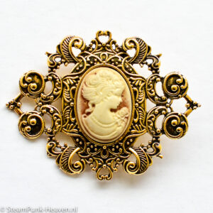 Steampunk broche 21, groot, kleur goud met lady camee