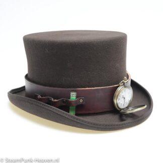 Steampunk Leder Workshop & High Tea - Zondag Steampunk Leder Workshop & High Tea - Zondag 1 november: kom een hoedenband en een armband van leder maken en versieren!: kom een hoedenband en een armband van leder maken en versieren!